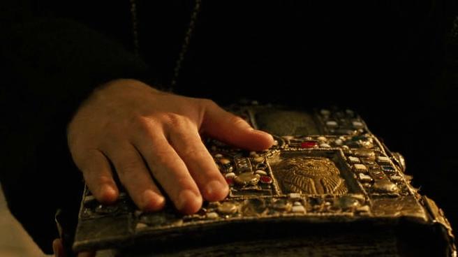 "Кадр из х/ф ""Время ведьм"" (2011)"